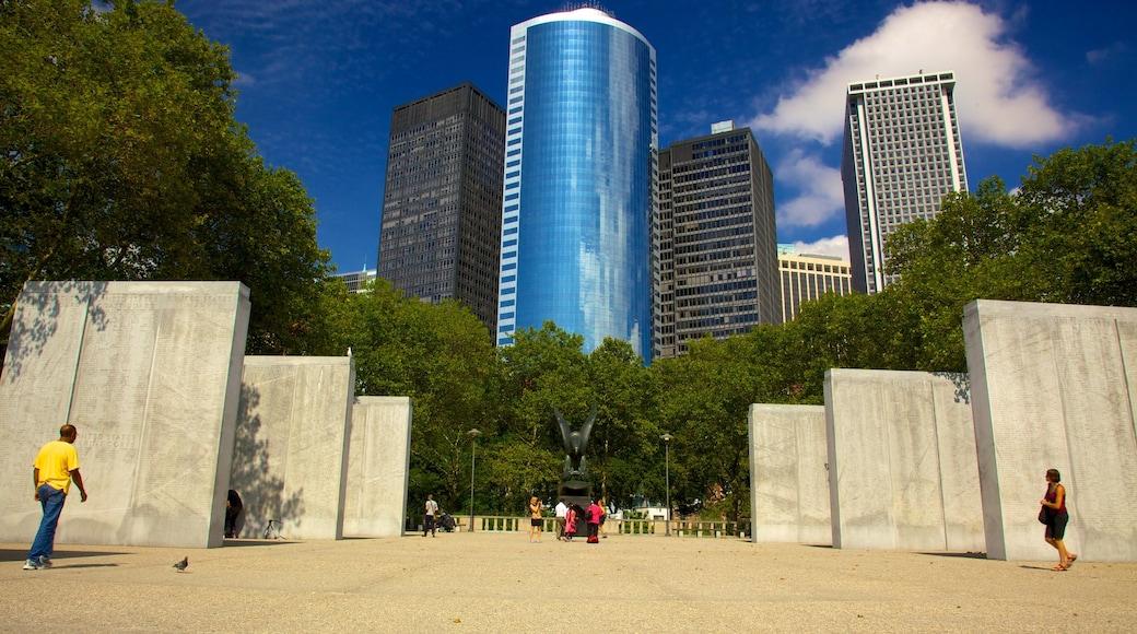 Battery Park mostrando una plaza, arquitectura moderna y una ciudad