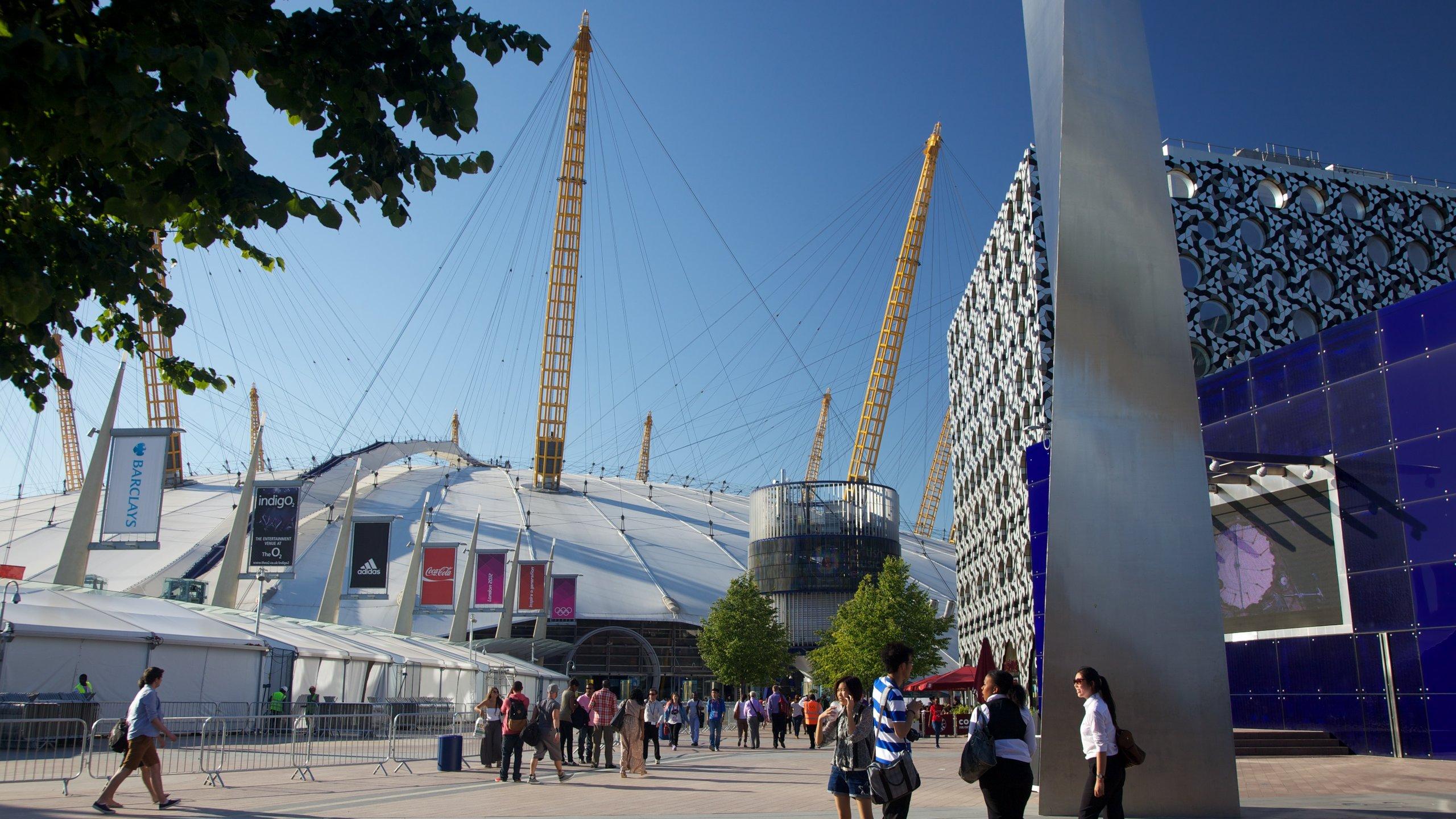 Gå på musik- eller sportevenemang, se en film eller bowla på en av världens mest välbesökta arenor, under en ikonisk kupol vid Themsen.