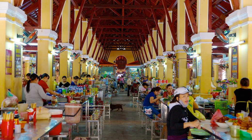 Central Market showing markets and interior views