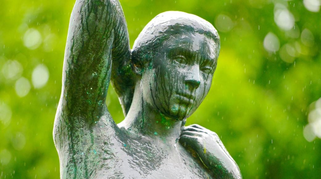 Billund som omfatter en statue eller en skulptur