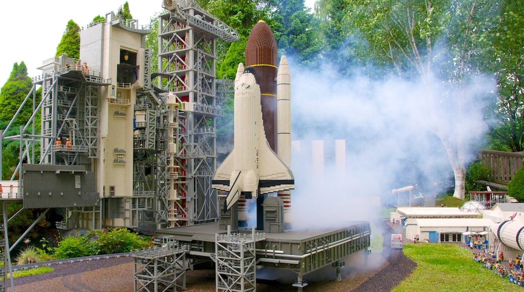Legoland som inkluderer park og utendørs kunst