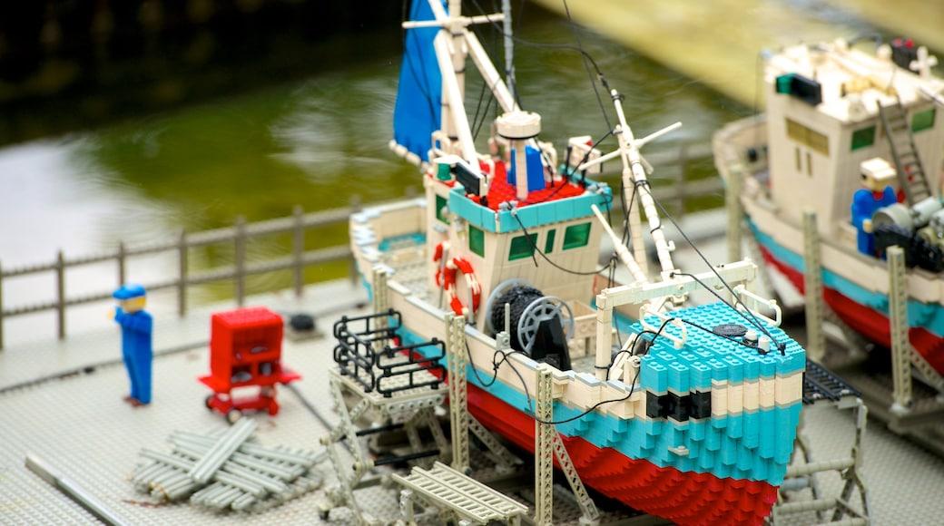 Legoland fasiliteter samt utendørs kunst