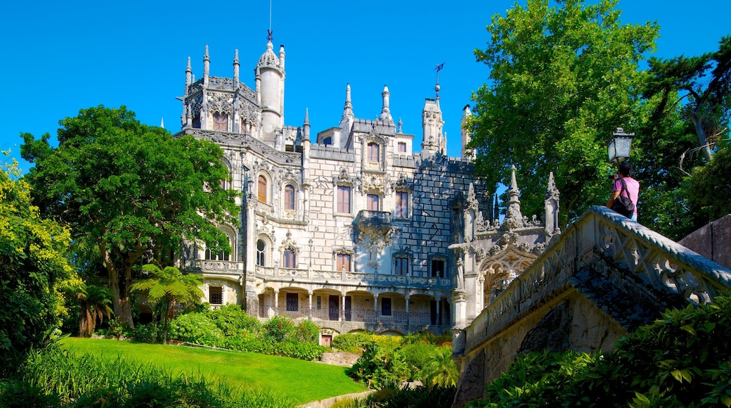 Sintra which includes heritage architecture and a castle