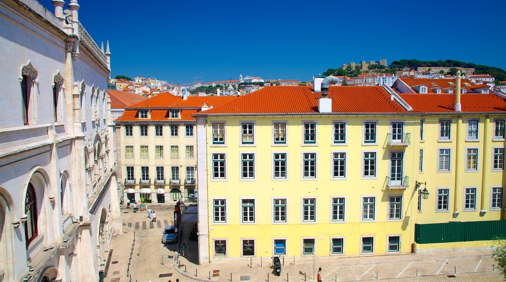 Lisbon which includes heritage architecture
