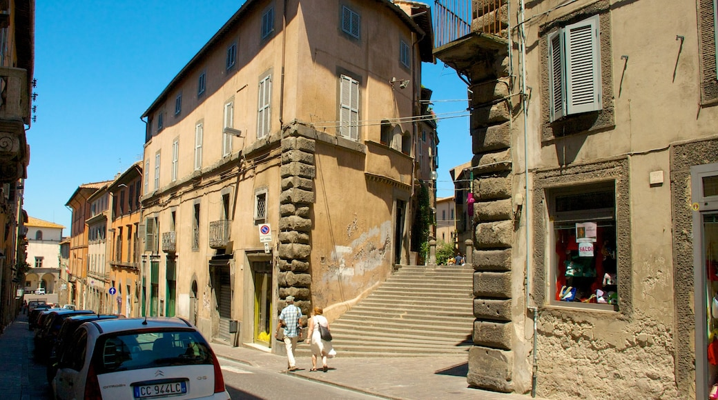 Viterbo showing heritage architecture and a city