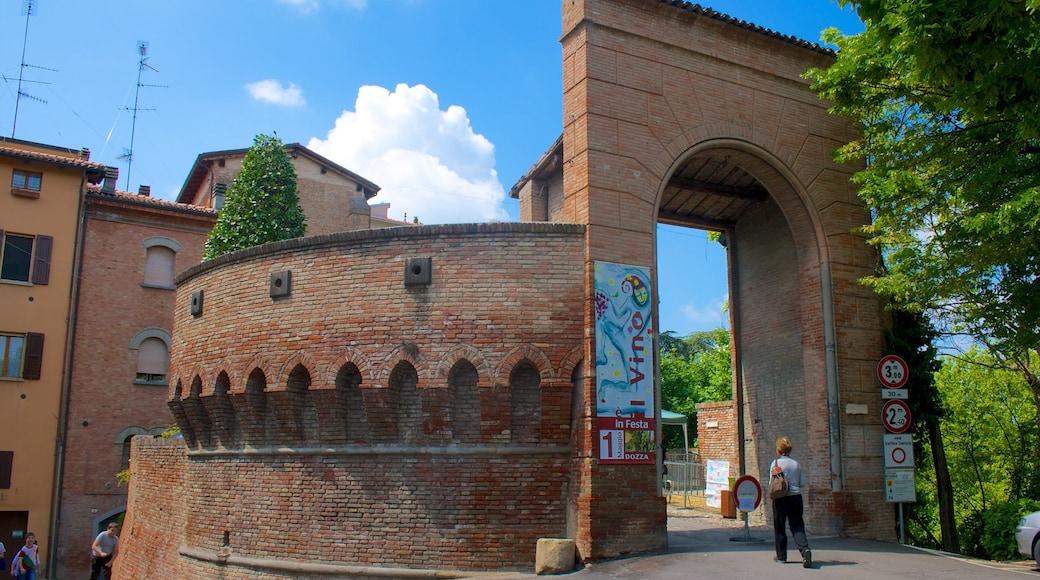 Dozza welches beinhaltet historische Architektur und Stadt