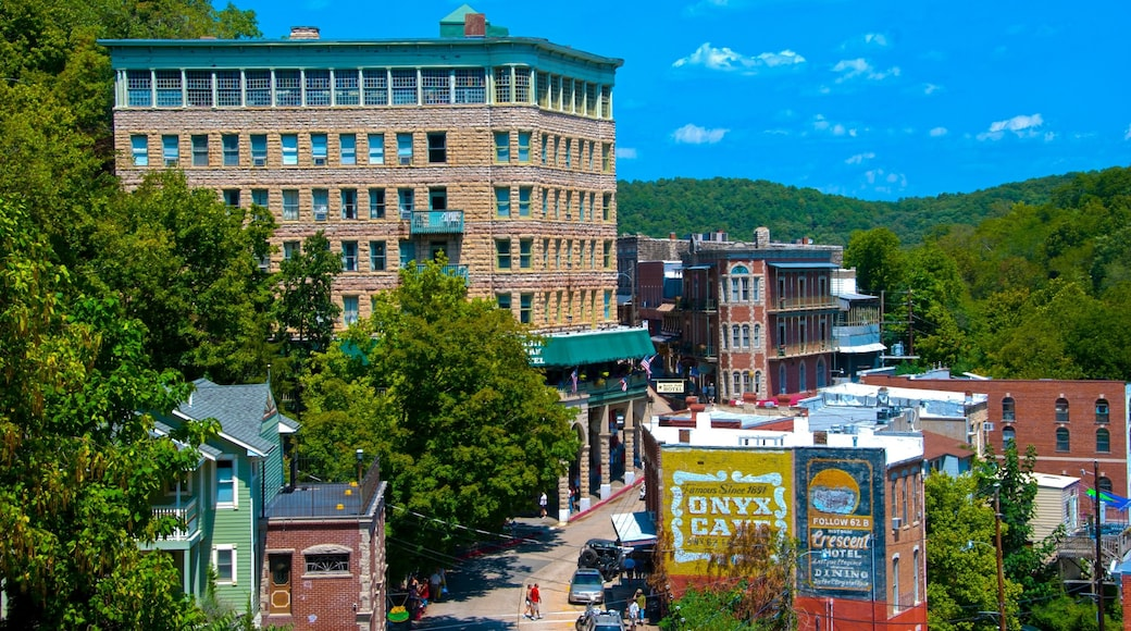 Eureka Springs featuring heritage architecture and a city