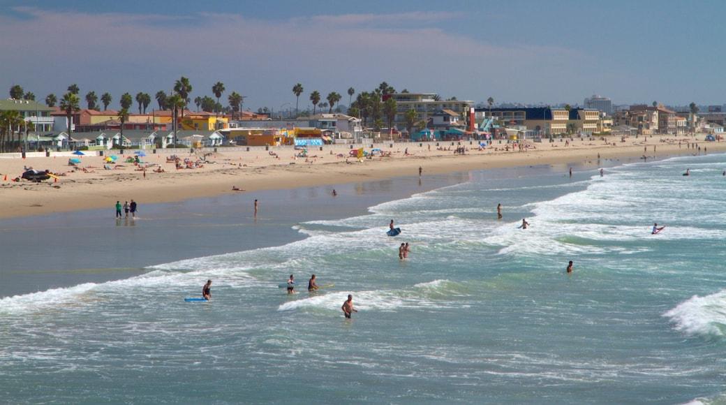 Pacific Beach Park featuring swimming, general coastal views and a sandy beach