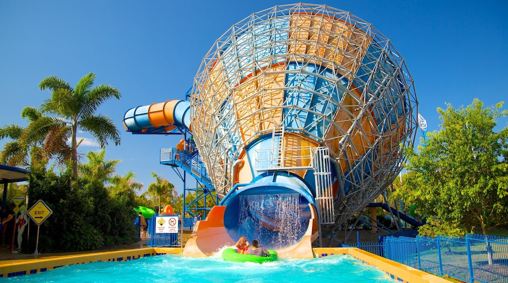 Wet\'n\'Wild Water World featuring a pool and a water park