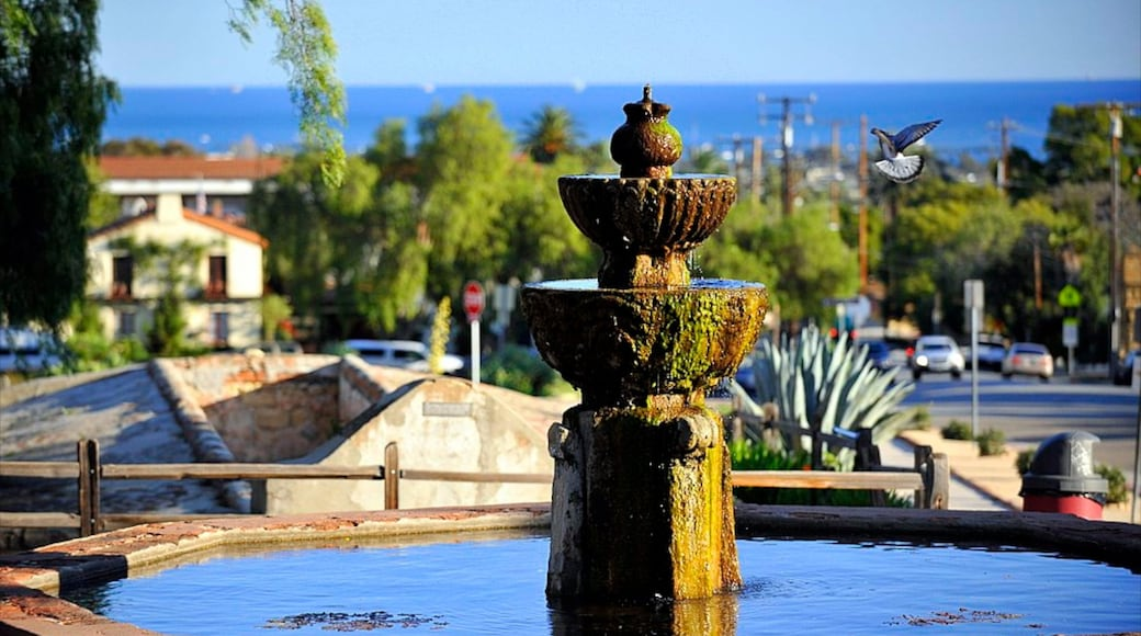 Santa Barbara showing a fountain and a city