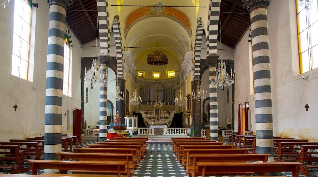 Monterosso al Mare presenterar en kyrka eller katedral och interiörer