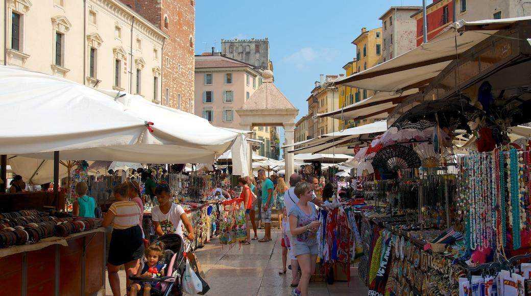 Piazza delle Erbe mit einem Märkte, Stadt und Straßenszenen