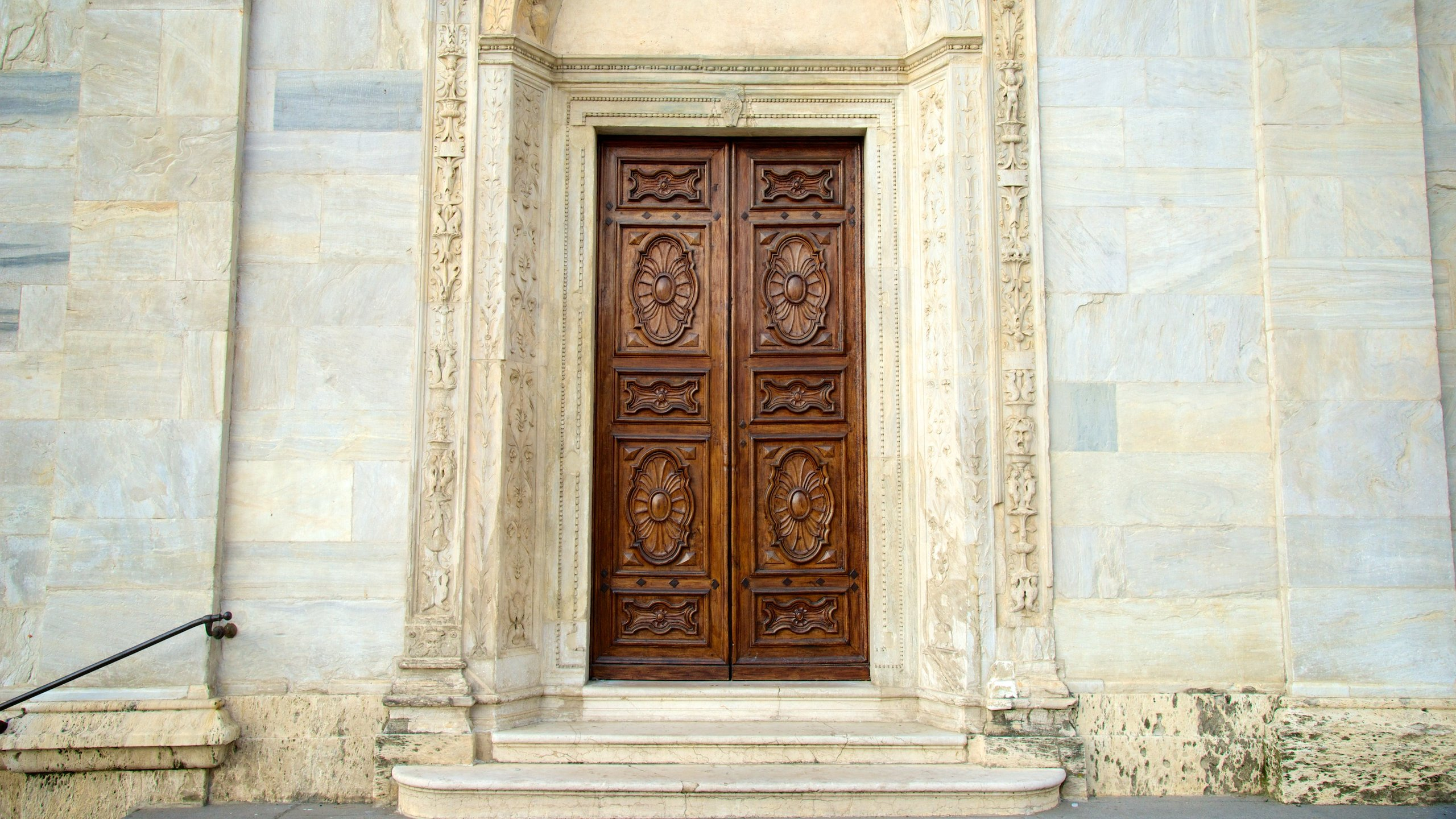 Johannes Døperens katedral er byens største katolske kirke, og her finner du likkledet i Torino, som mange tror Jesu legeme var svøpt i da han ble gravlagt.