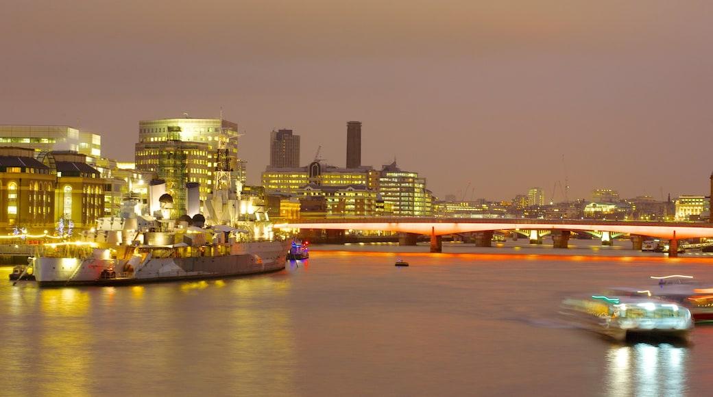 ลอนดอน แสดง แม่น้ำหรือลำธาร, การพายเรือ และ สะพาน