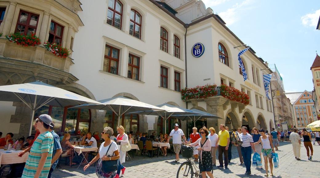 Hofbräuhaus welches beinhaltet Straßenszenen, Stadt und Café-Lifestyle