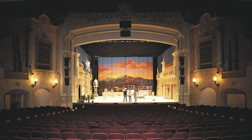 El Paso which includes interior views and theater scenes