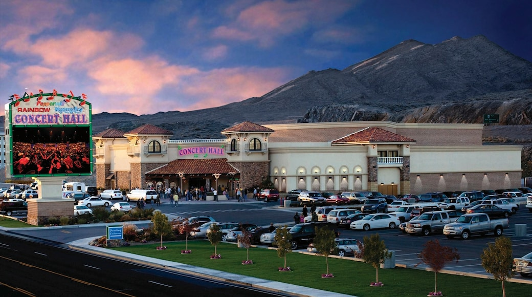 Wendover featuring theater scenes and mountains