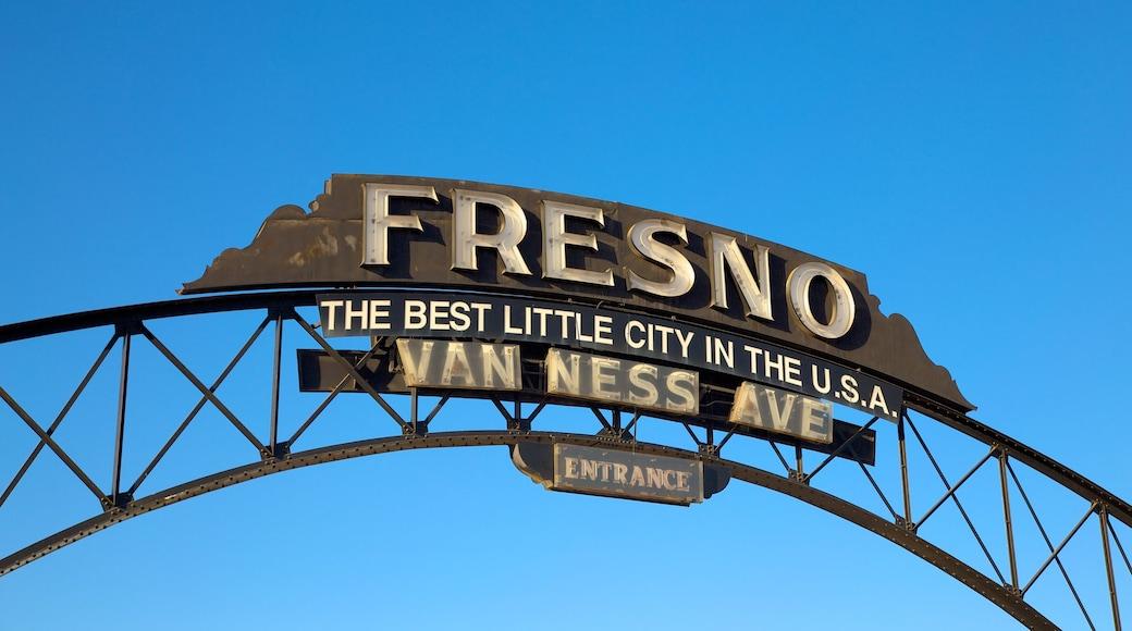 Fresno mostrando sinalização