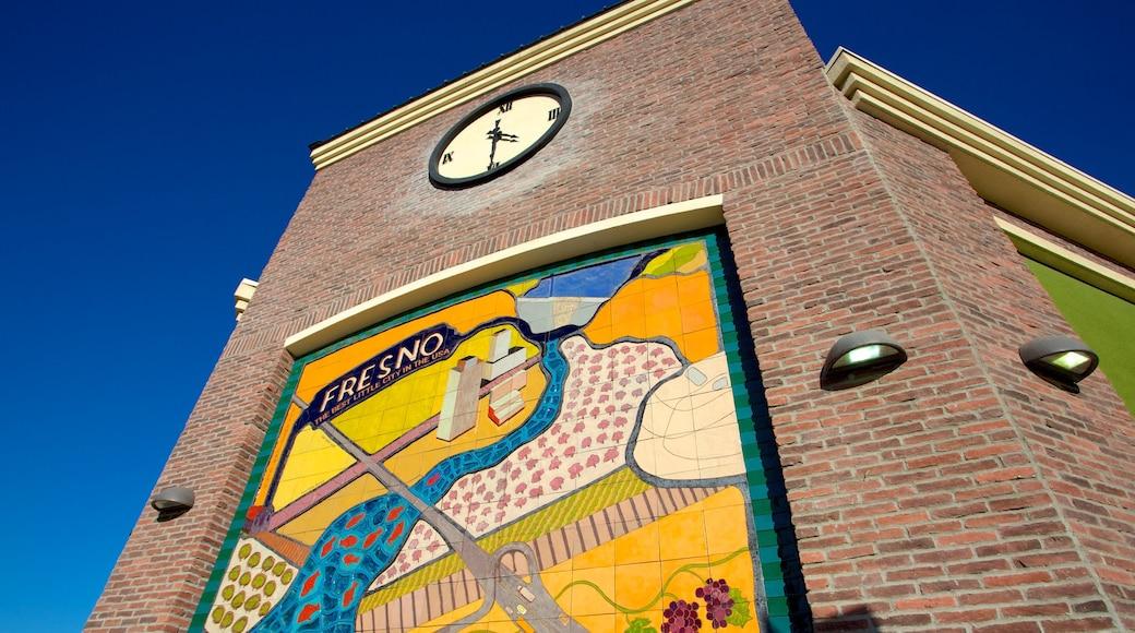 Fresno que inclui arte ao ar livre