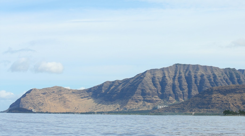 Makaha which includes landscape views, general coastal views and mountains