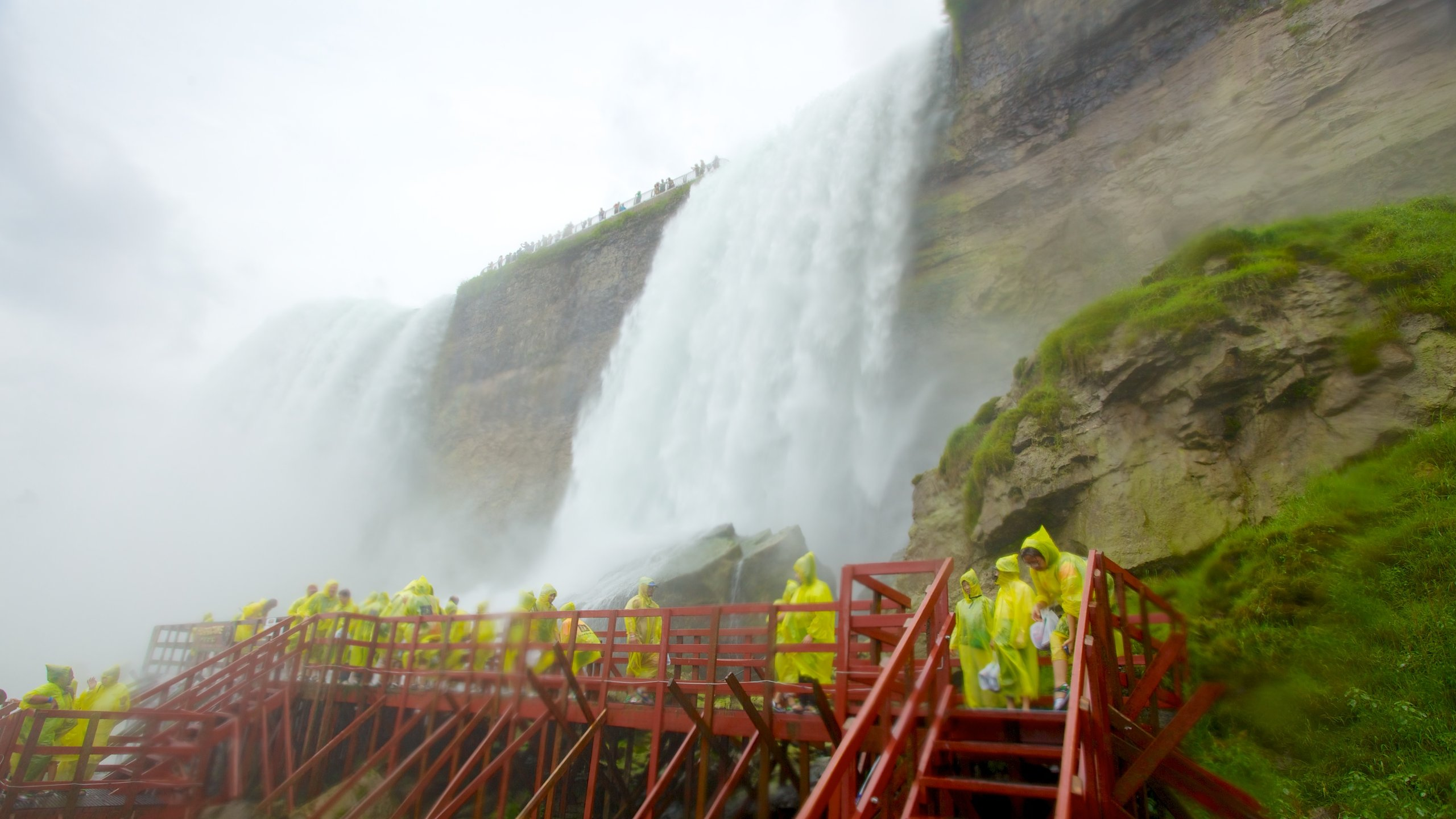 Get close to the thunderous torrent of Niagara Falls on this once-in-a-lifetime tour, which will leave you both soaked and exhilarated.