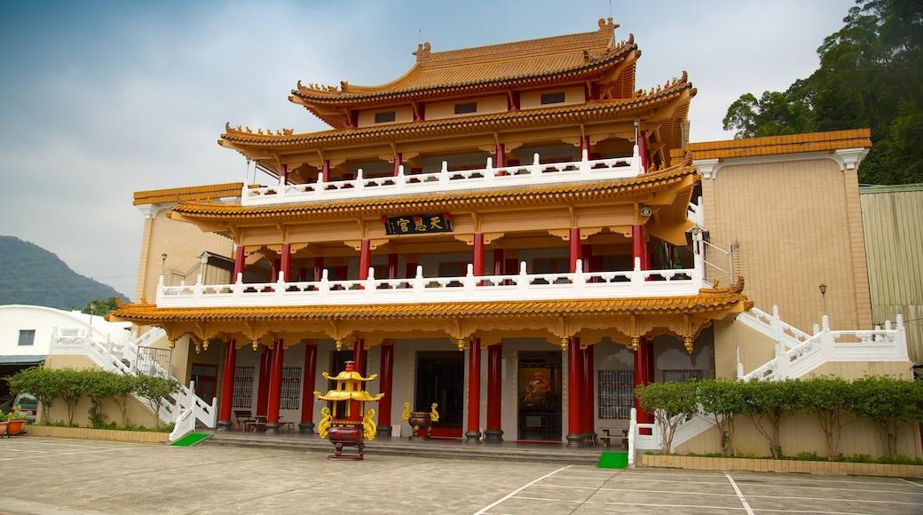 台北 设有 宗教方面, 廟宇或禮拜堂 和 歷史建築