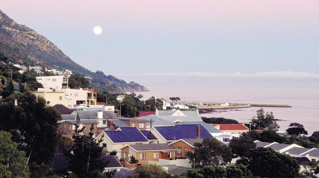 Gordon\'s Bay showing a coastal town, general coastal views and a bay or harbor