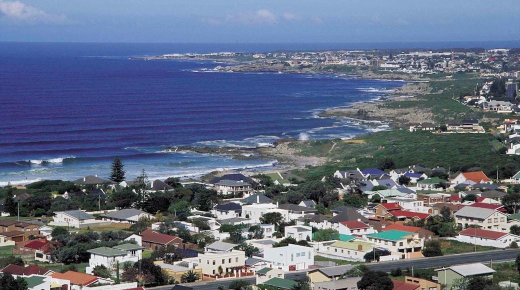Hermanus qui includes baie ou port, vues littorales et ville côtière