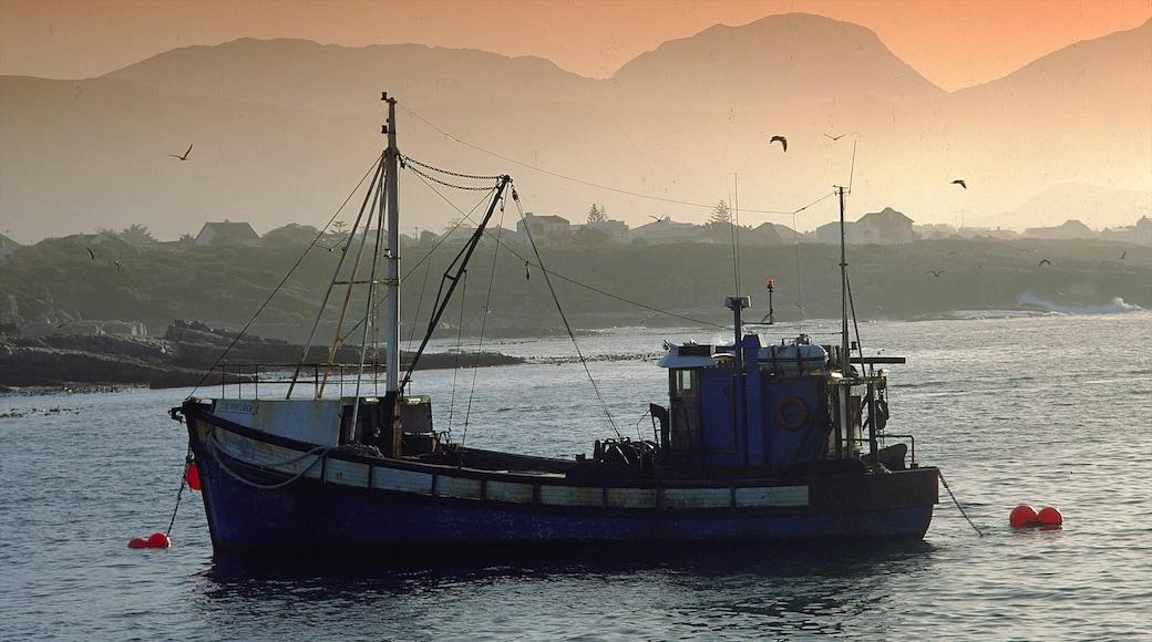 Hermanus montrant coucher de soleil, baie ou port et panoramas
