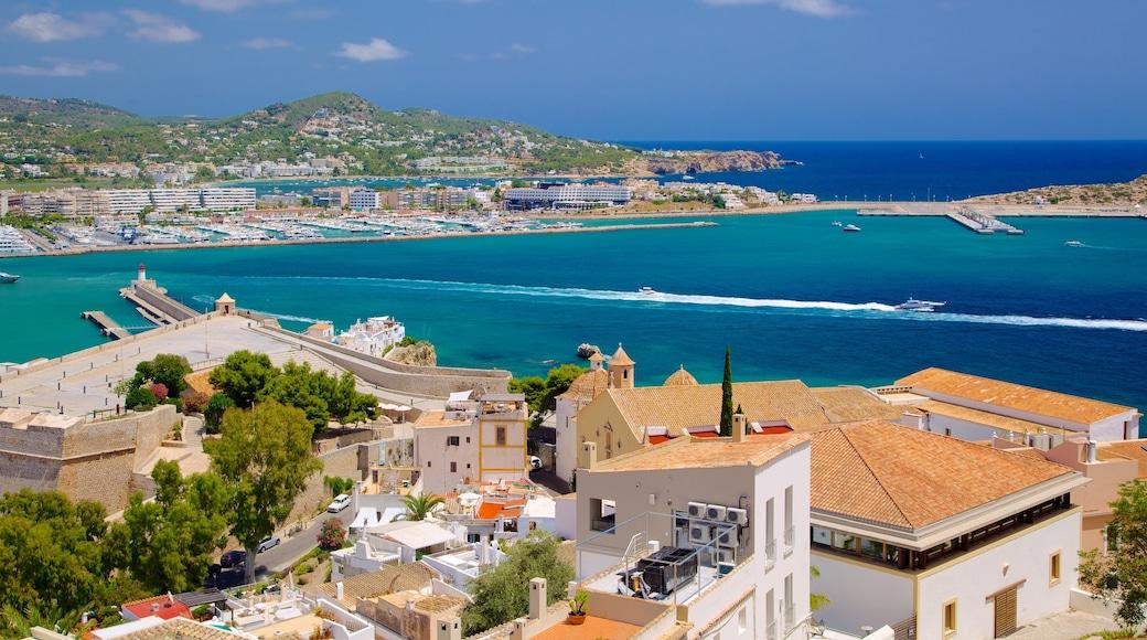 Ibiza das einen Küstenort, allgemeine Küstenansicht und Inselbilder
