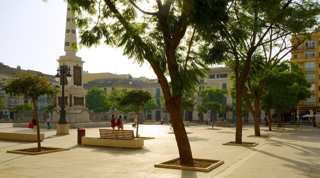 Plaza de la Merced welches beinhaltet Stadt, Platz oder Plaza und historische Architektur