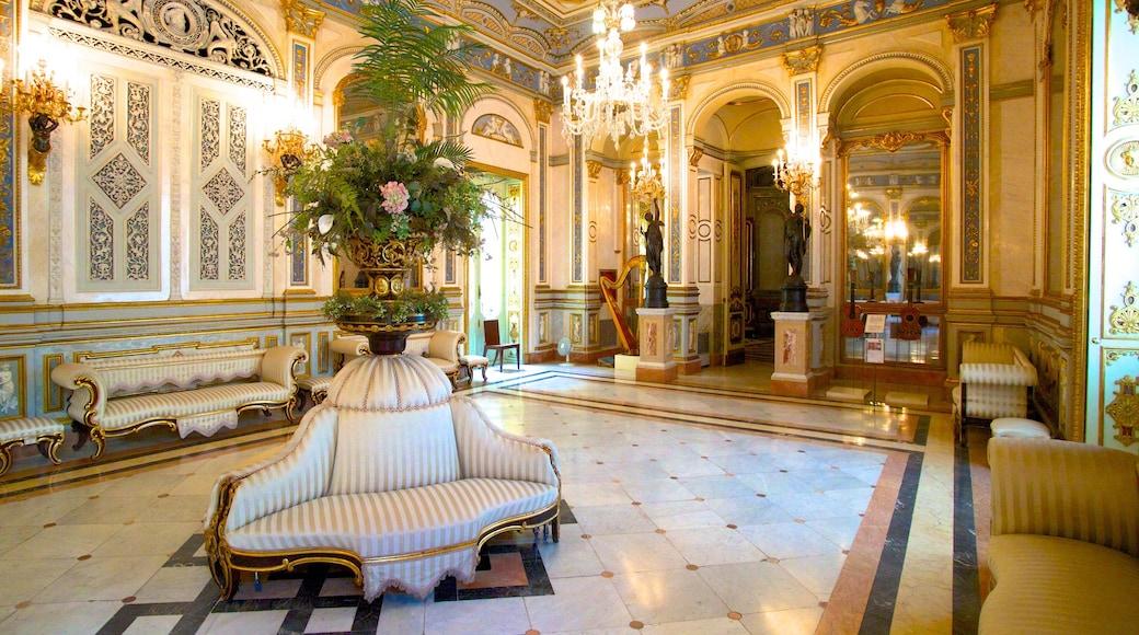Palacio del Marques de Dos Aguas toont interieur en kasteel of paleis