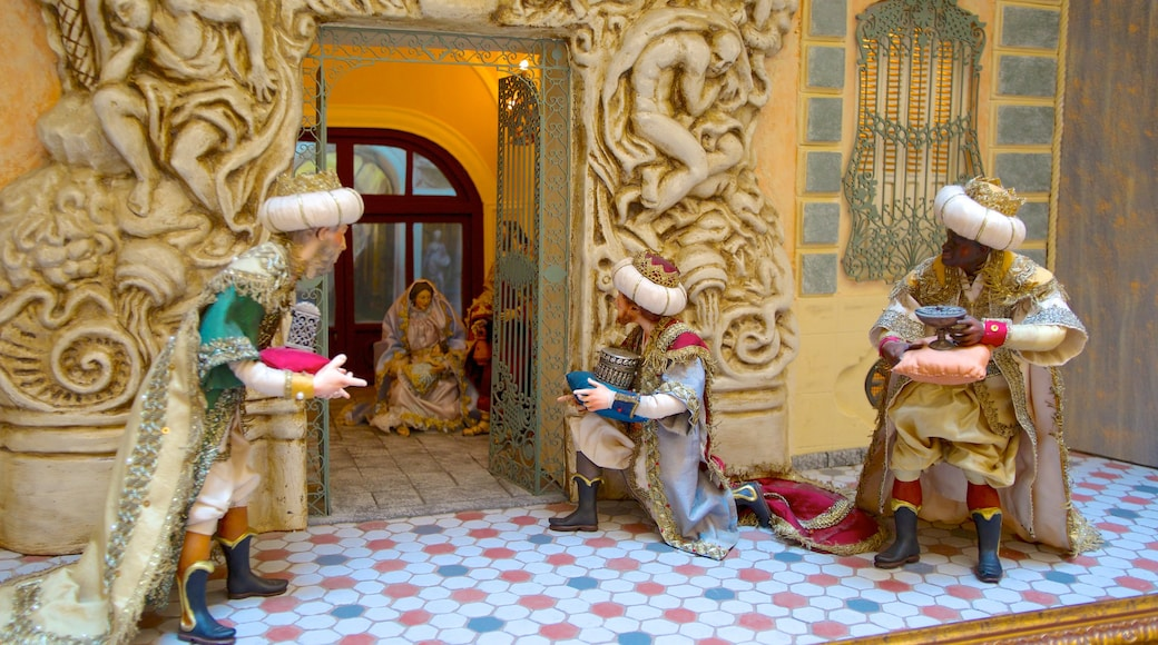 Palacio del Marques de Dos Aguas bevat historische architectuur en interieur