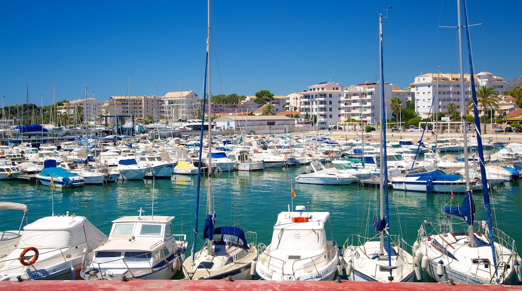 Altea showing boating, a bay or harbour and a marina