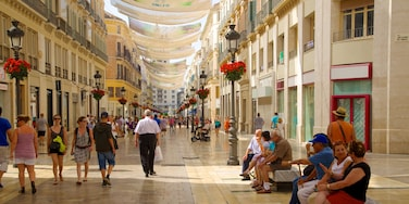 Malaga Historic Centre showing a city, heritage architecture and street scenes