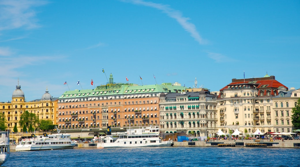 Stockholm showing boating, a marina and a bay or harbour