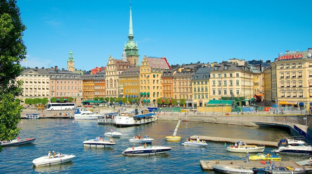 Stockholm which includes a bay or harbour, boating and heritage architecture