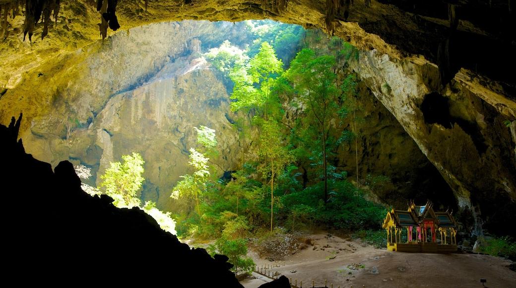 Khao Sam Roi Yot 國家公園 设有 洞穴 和 山水美景
