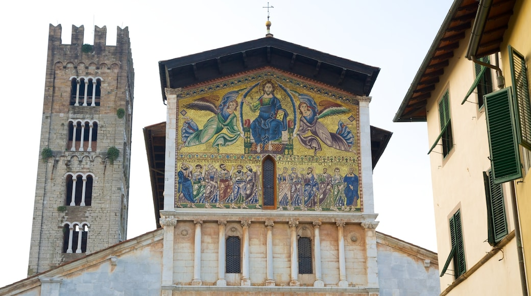 Basilica di San Frediano featuring a church or cathedral and religious aspects