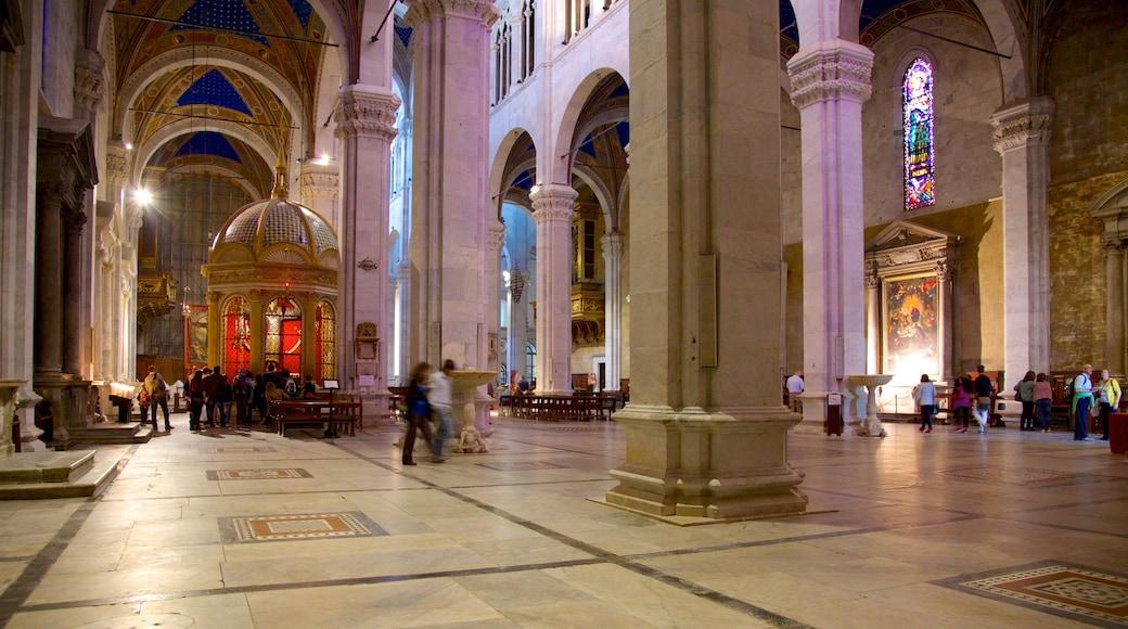 อาสนวิหาร St Martin แสดง โบสถ์หรือวิหาร, การตกแต่งภายใน และ มรดกทางสถาปัตยกรรม