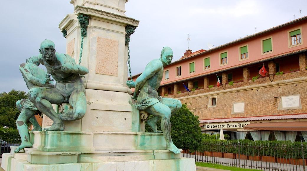 Monumento dei Quattro Mori welches beinhaltet Outdoor-Kunst, Kunst und Monument