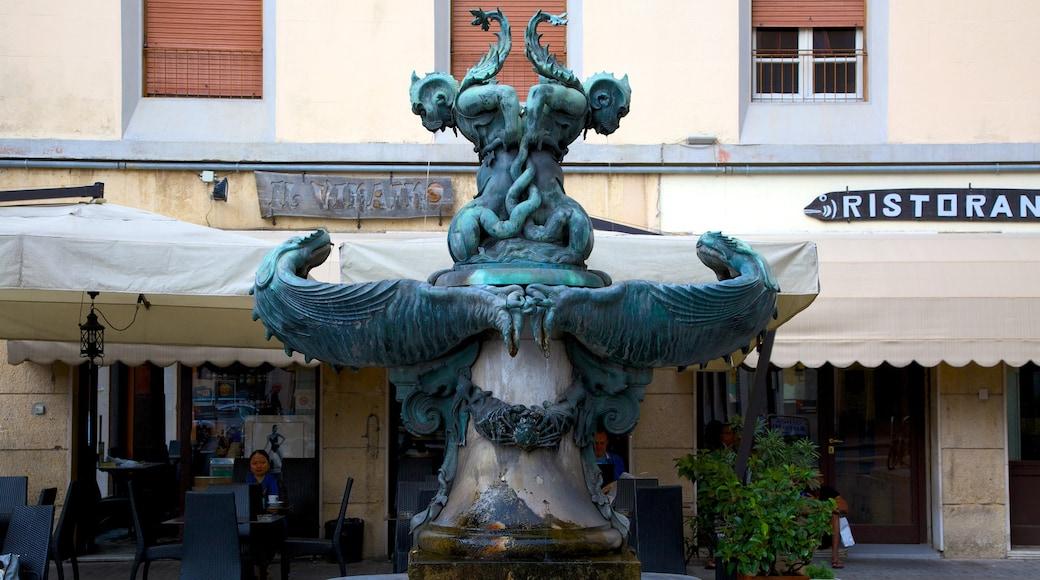Monumento dei Quattro Mori welches beinhaltet Stadt, Statue oder Skulptur und Outdoor-Kunst