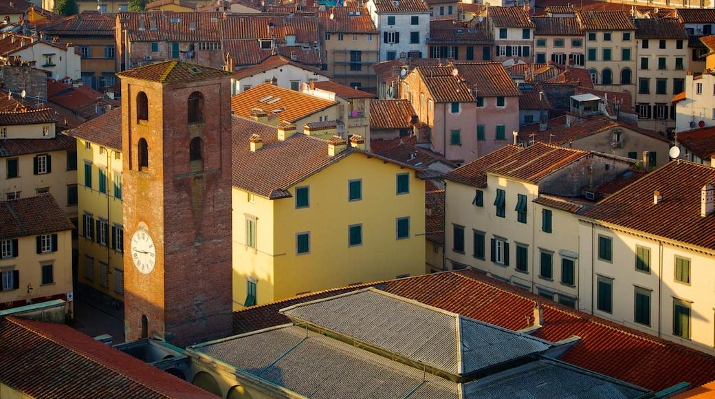 Torre delle Ore ซึ่งรวมถึง เมือง และ มรดกทางสถาปัตยกรรม