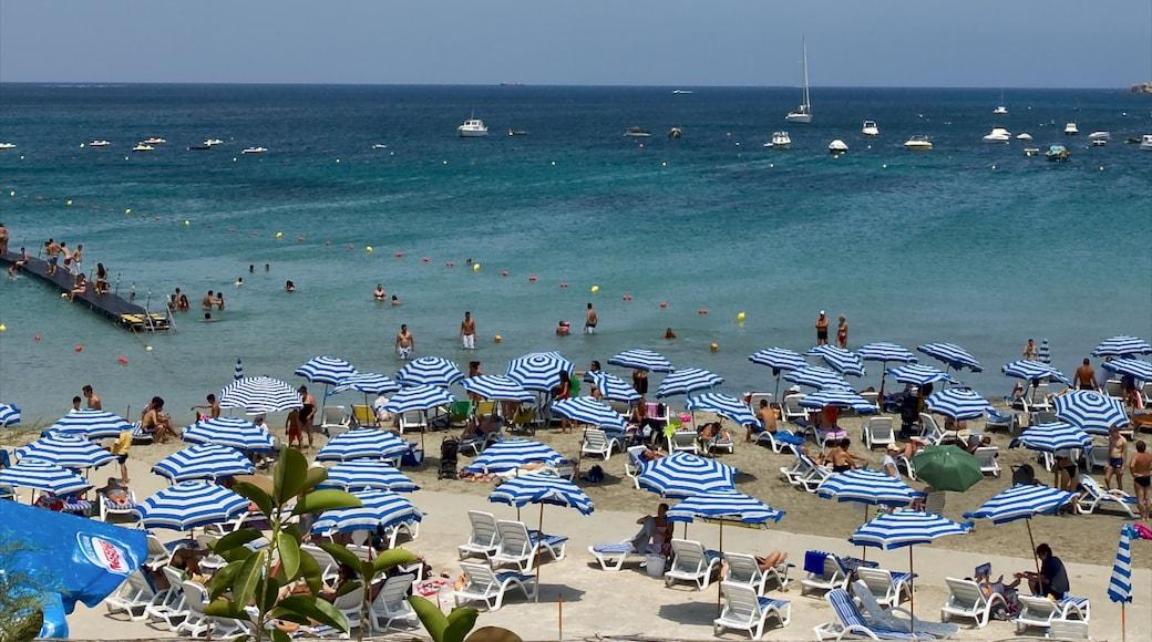 Mellieħa montrant baignade, vues littorales et plage