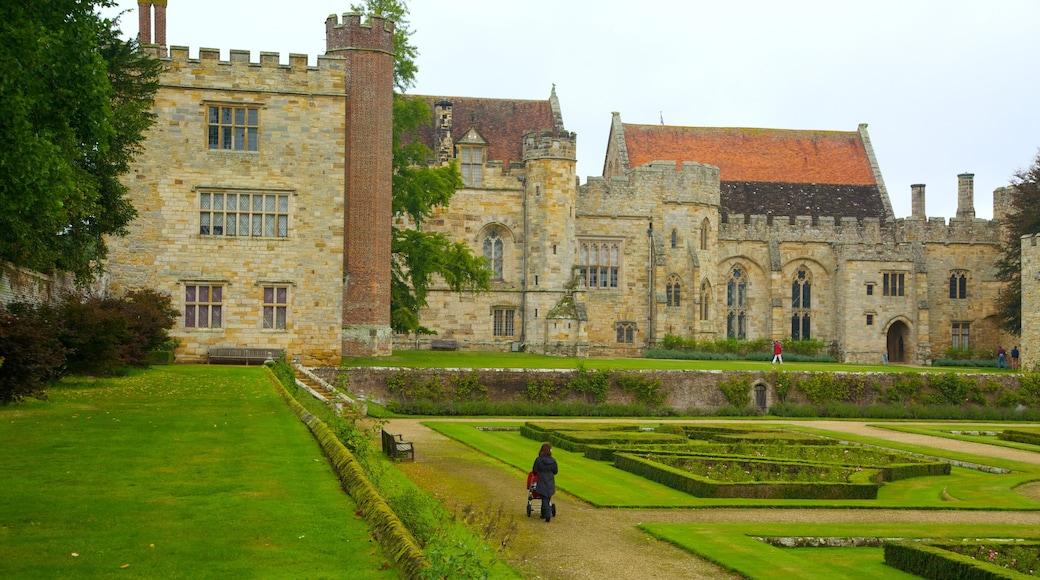Penshurst Place and Gardens featuring heritage elements, heritage architecture and a park