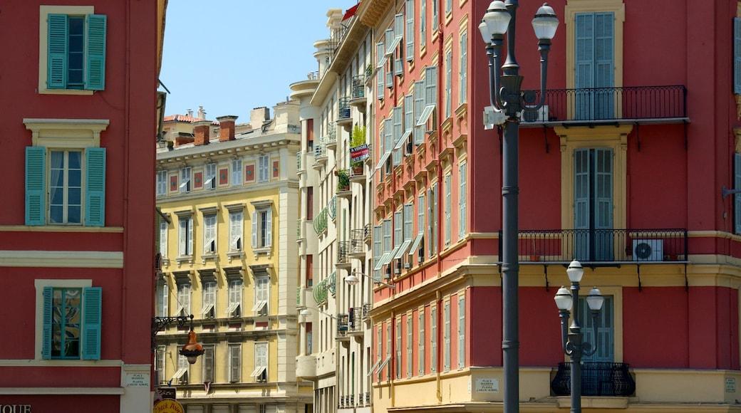 Place Masséna montrant patrimoine architectural