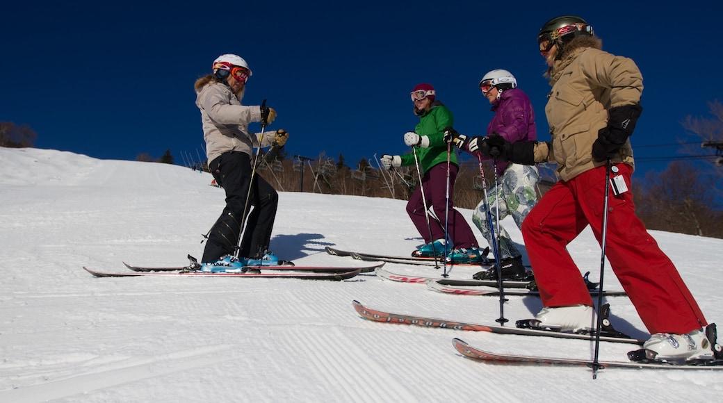 Killington Ski Resort das einen Skifahren, Schnee und Berge