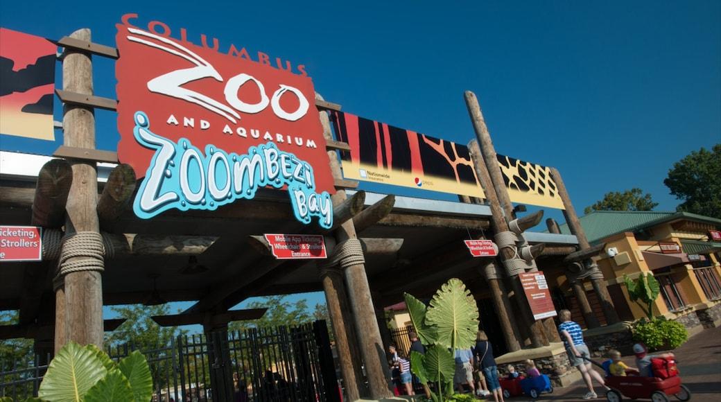 Columbus Zoo and Aquarium que incluye animales del zoológico y señalización