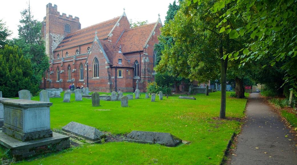 Colchester montrant patrimoine architectural, cimetière et château