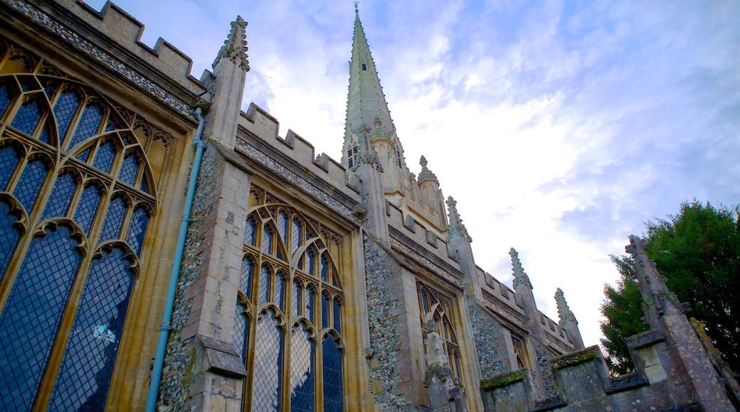 Saffron Walden which includes heritage architecture and a castle